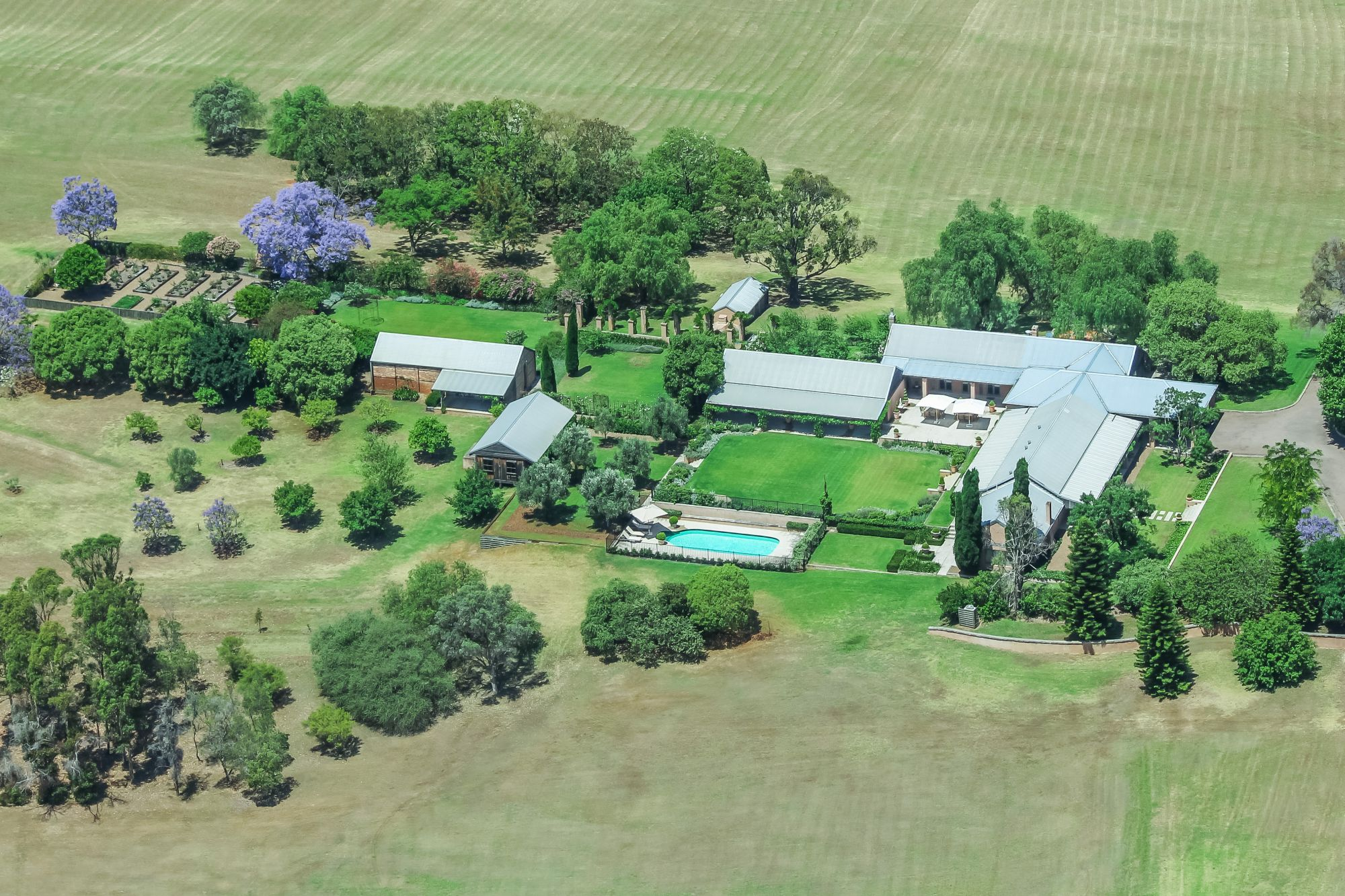 Loggerheads, the Hunter Valley trophy lifestyle vineyard estate listed